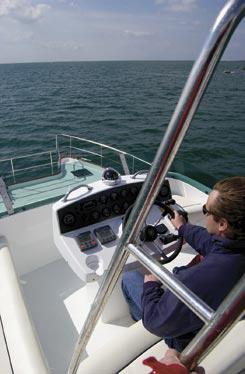 location-catamaran-avec-ski
